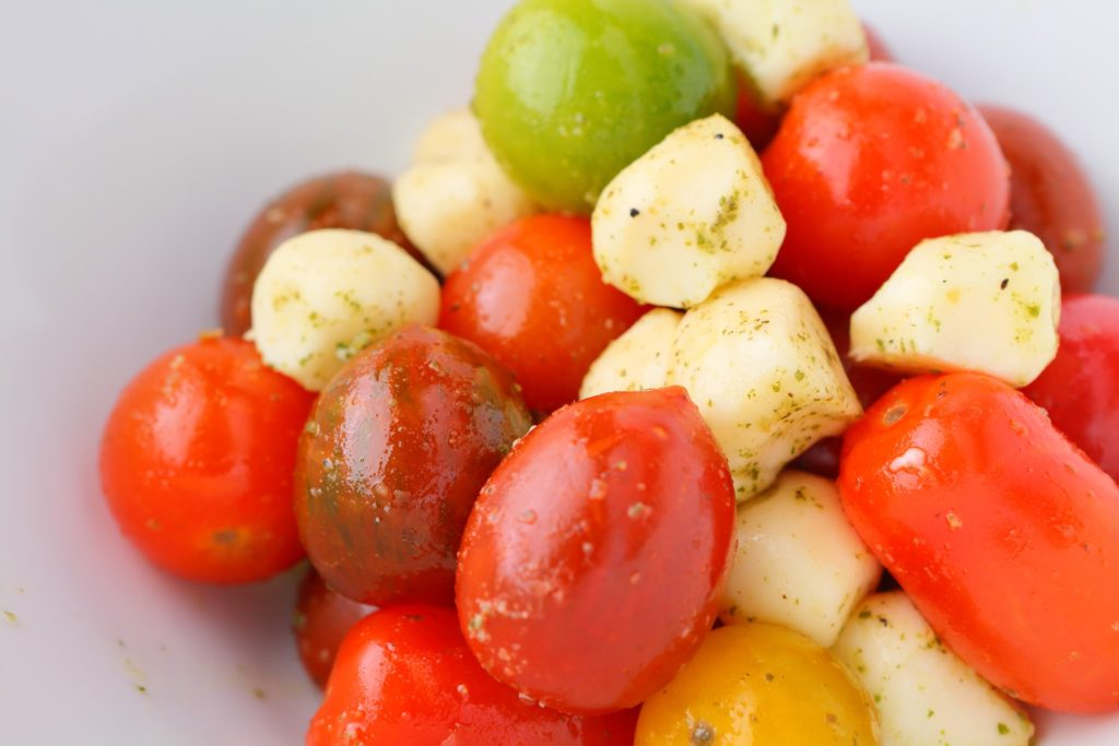 カラフルトマトの<br />カプレーゼ